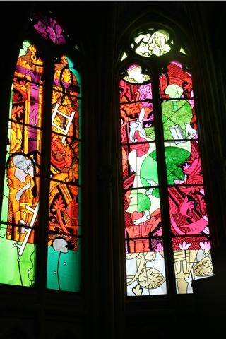 La cathédrale St Cyr et Ste Julitte, renommée pour ces vitraux modernes
