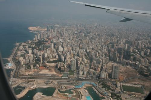 Le centre vue du Boing 777 avant l'atterrissage