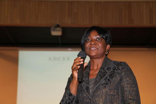 La représentante de l'ambassadeur du Cameroun en France, une fierté de Véronique