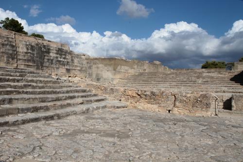 Festos, palais d'été. Le théatre, peut être le plus vieux du monde.