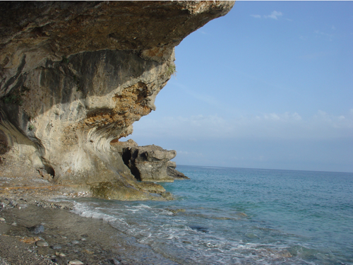 Une partie de la plage du centre naturiste , le repos absolu.