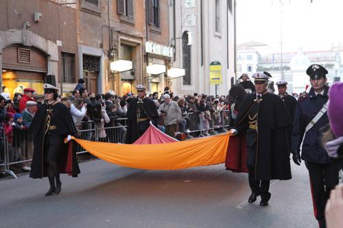 Et voilà des personnalités lancent ce 3ème carnaval de Rome