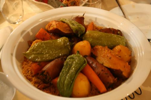 La gastronomie tunisienne ...Un des plats exceptionnels de Salma, les calamars farcis...