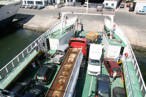 Embarqués sur le cars-ferry.