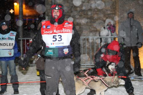Arrivée de Thierry à Lanslebourg après 60km de course dans le vent et le froid