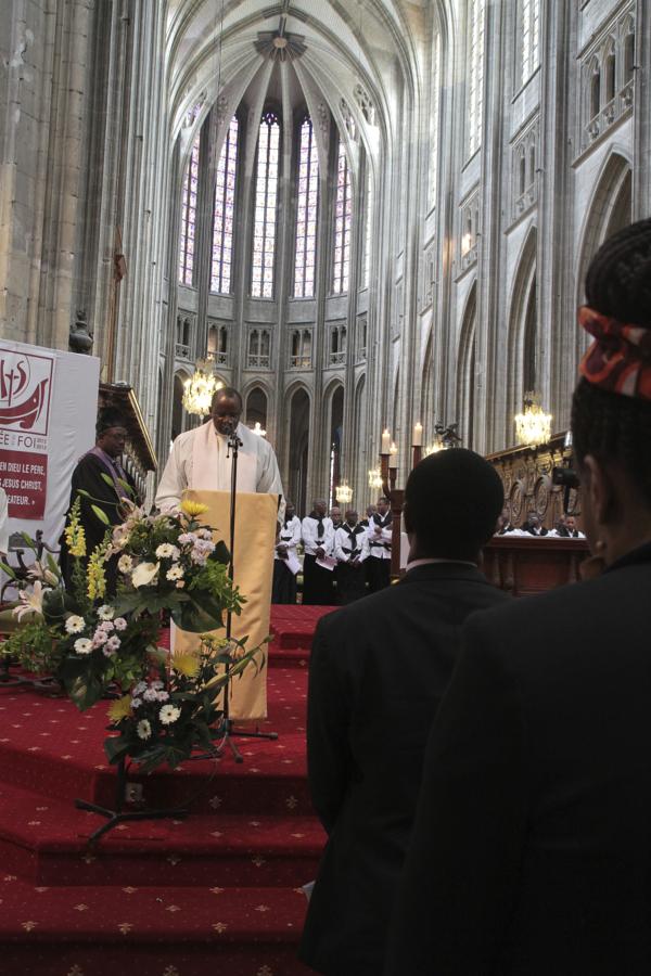 Il est venu tout spécialement de Yaoundé pour représenter l'Eglise catholique du Cameroun