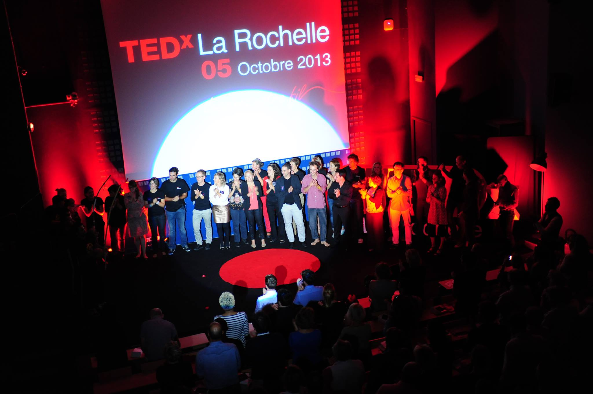 L'équipe organisatrice et les intervenants pour le final (photo Martin Charpentier)