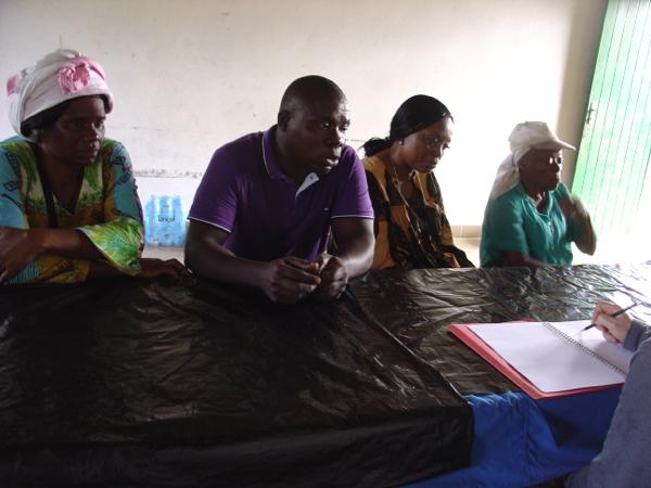 Sophie participe aux réunions où le cas de chaque jeune est étudié.