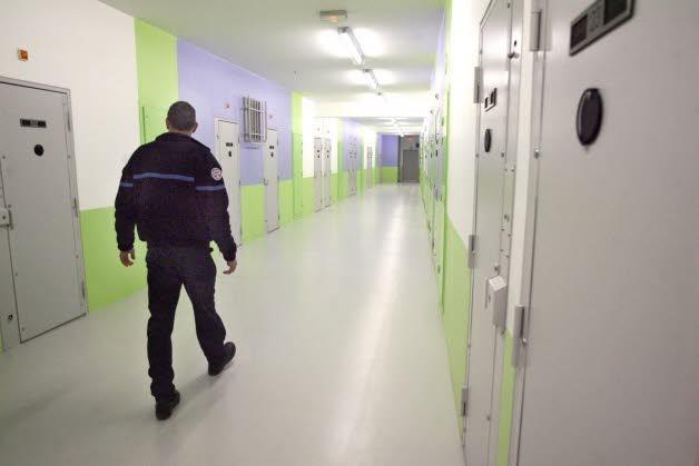 Les couloirs qui distribuent les cellules sont très bruyants  (photo Internet)