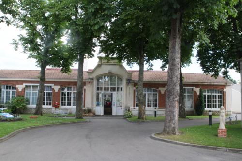 Le musée Matra s'est installé dans l'ancienne usine des caméras Beaulieu.