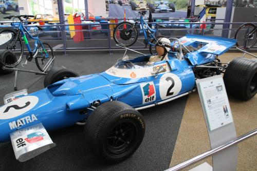 Jean Luc Lagardère a souhaité que Matra gagne en F1 avec des grands noms du sport automobile son écurie remportera 124 victoires.