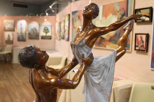 Détail de Le ballet de l'étoile bronze de Jean Luc Brandily