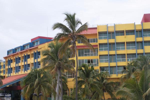 Presque les couleurs d'Ik.. pour cet immeuble de Varadero