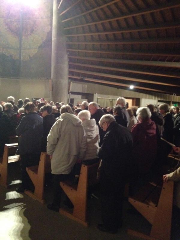 La foule des croyants présents