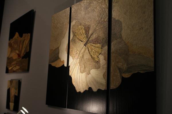 Elisabeth Loesch de Mer (L et C)  des décorations en vieux papiers de chiffons.