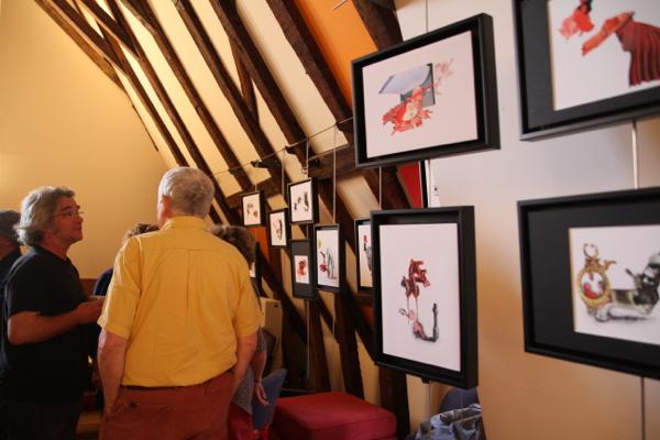 Laetitia, ancienne élève de l'Ecole Nationale des  Beaux Arts de Bourges, présente 20 dessins-collages.