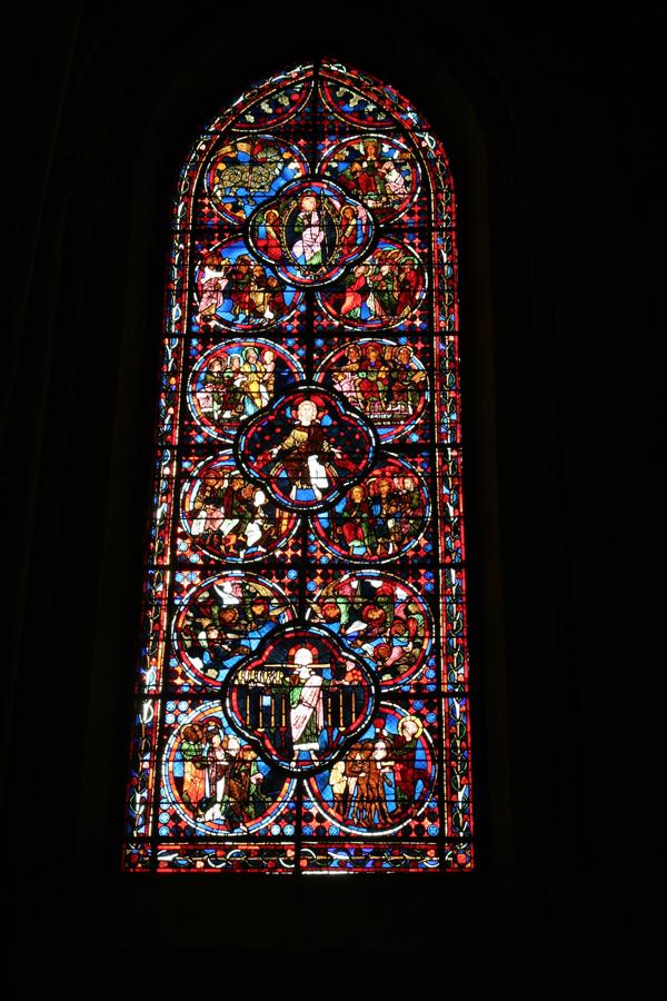 Les trois femmes artistes de ce salon de mai 2015 ont sûrement un lien avec les femmes des ateliers de ce Vitrail de la Cathédrale de Bourges (1205-1220)
