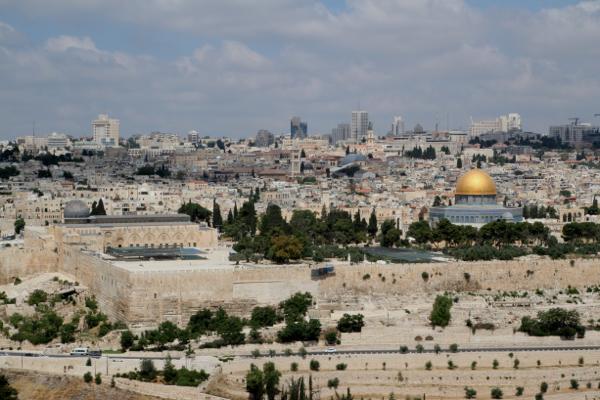 Le mur d'enceinte de Jérusalem et l'Esplanade vu du Mont des Oliviers