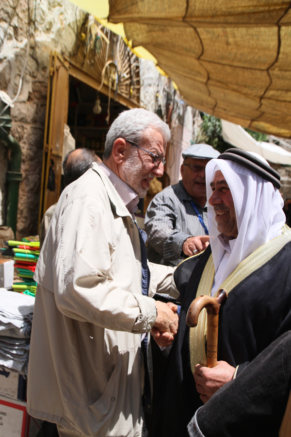 Omar Abréché dans la vieille ville.
