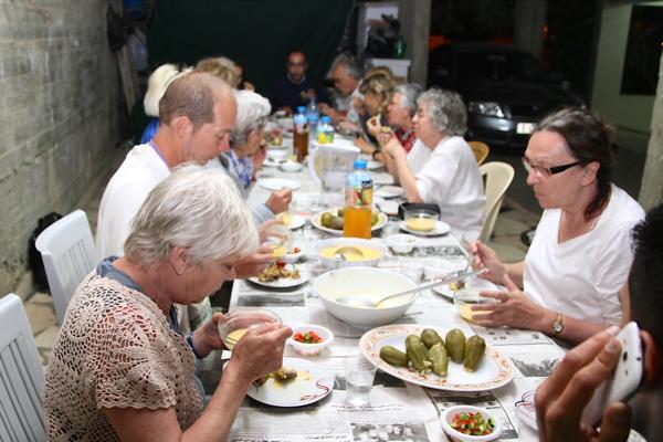 Repas dans la famille d' Adel, des courgettes farcies inoubliables