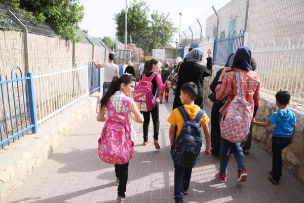 Ils viennent de sortir du check point de Bethléem pour se rendre à Jérusalem comme tous les jours