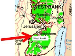 Pour s'orienter Wadi Foukin longe la ligne verte, frontière entre Israël et la Cisjordannie, seule reconnue par la communauté internationale.