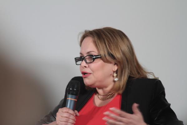 Nadia Sebkhi, une algérienne qui promeut le roman francophone et maghrébins.