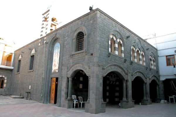 Dans le quartier chrétien Eglise de la Ceinture-de-la- Vierge