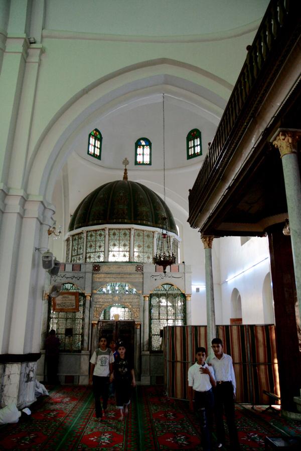 Intérieur de la mosquée de Kaled ibn al Walib