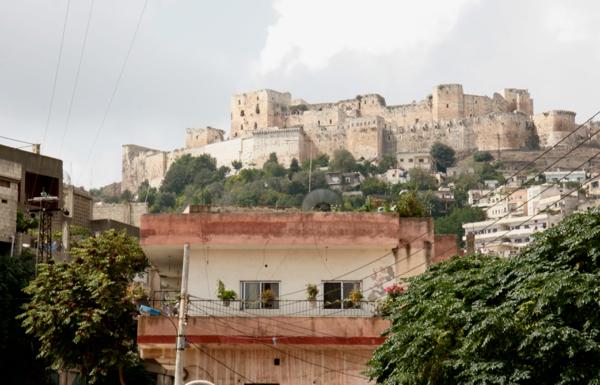La citadelle au dessus du village actuel.