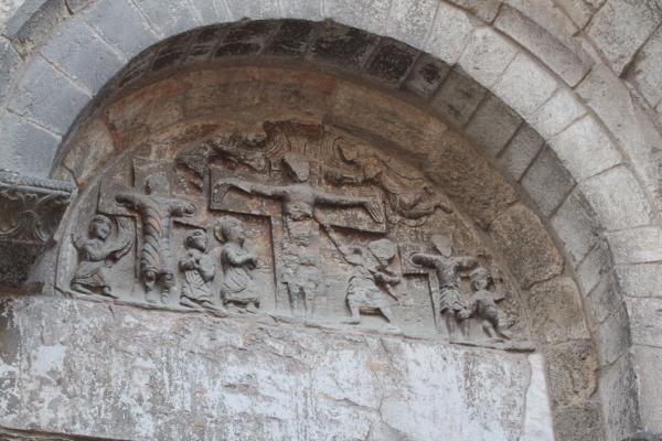 "Tympan portail ouest ""la crucifixion"""