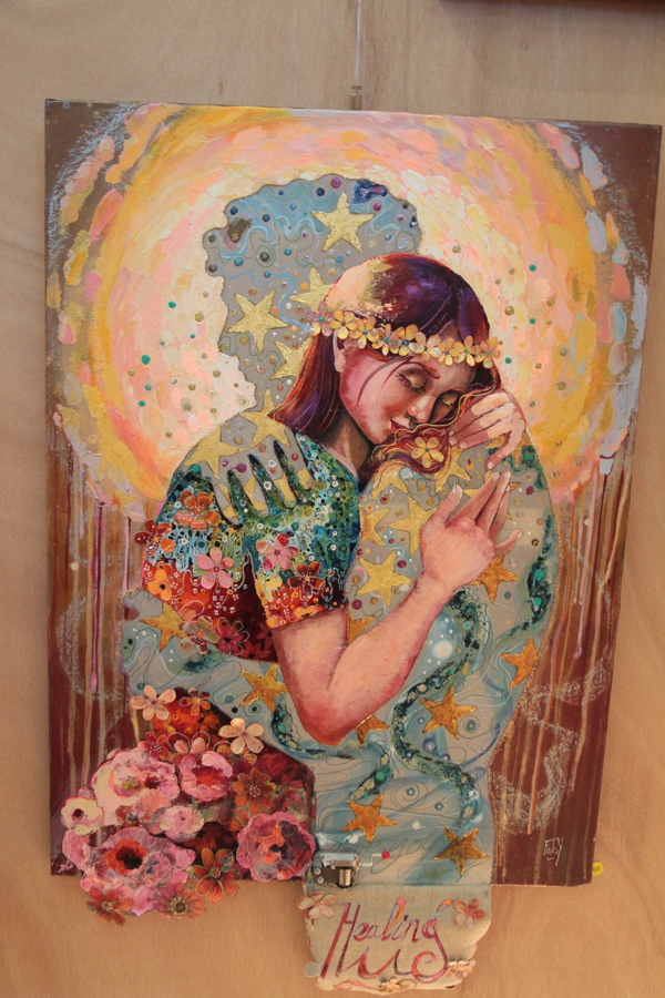 """""""Healing hug"""" HST de Faby. Originaire du Morbihan, cette artiste est autodidacte et peint depuis 15 ans."""