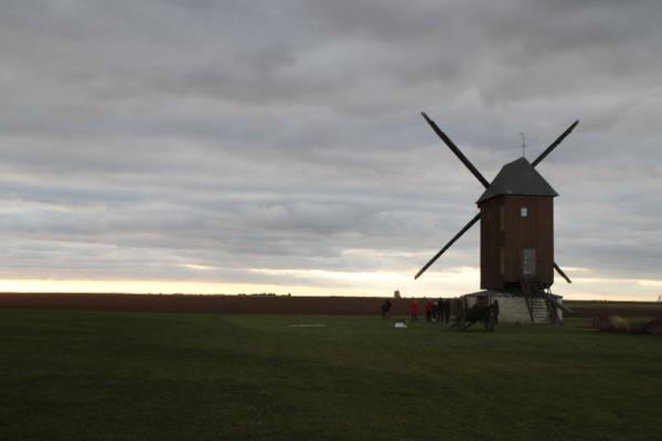 Vu de la salle des fêtes, le moulin du Paradis( fin du XVIII, restauré récemment)
